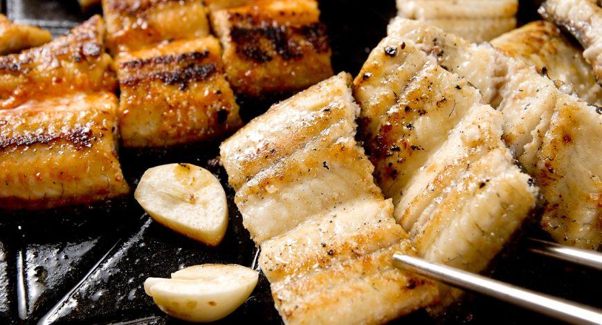 anguila frita