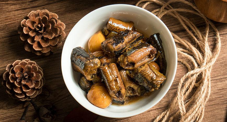 Guiso de anguila con castañas